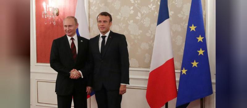 Emmanuel Macron reçoit Vladimir Poutine @ Fort de Bréguençon | Bormes-les-Mimosas | Provence-Alpes-Côte d'Azur | France