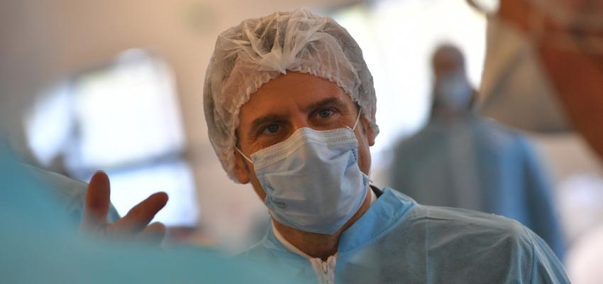 Covid long : Emmanuel Macron à l'hôpital Foch à la rencontre de soignants @ Hôpital Foch | Suresnes | Île-de-France | France