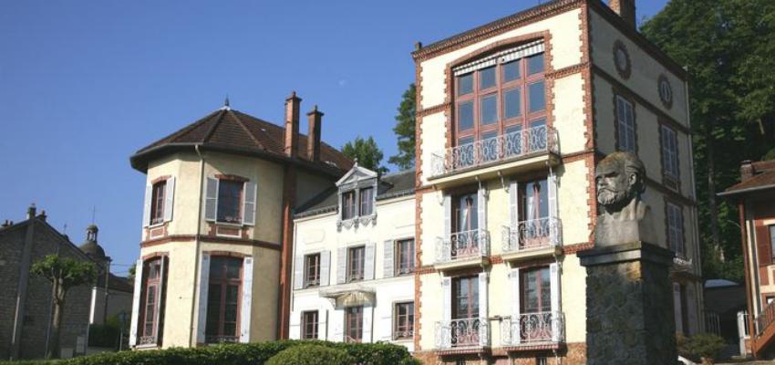 Emmanuel Macron inaugure le musée Dreyfus à Médan @ Musée Dreyfus | Medan | Île-de-France | France